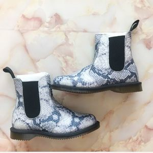 NEW Dr.Martens Chelsea Boot Grey Asciano Leather